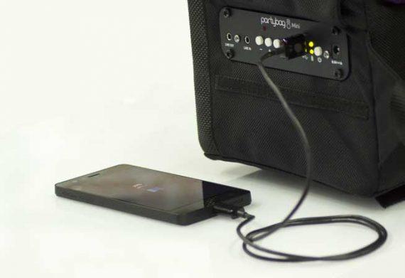 Partybag Mini peut aussi fonctionner comme Power-Bank